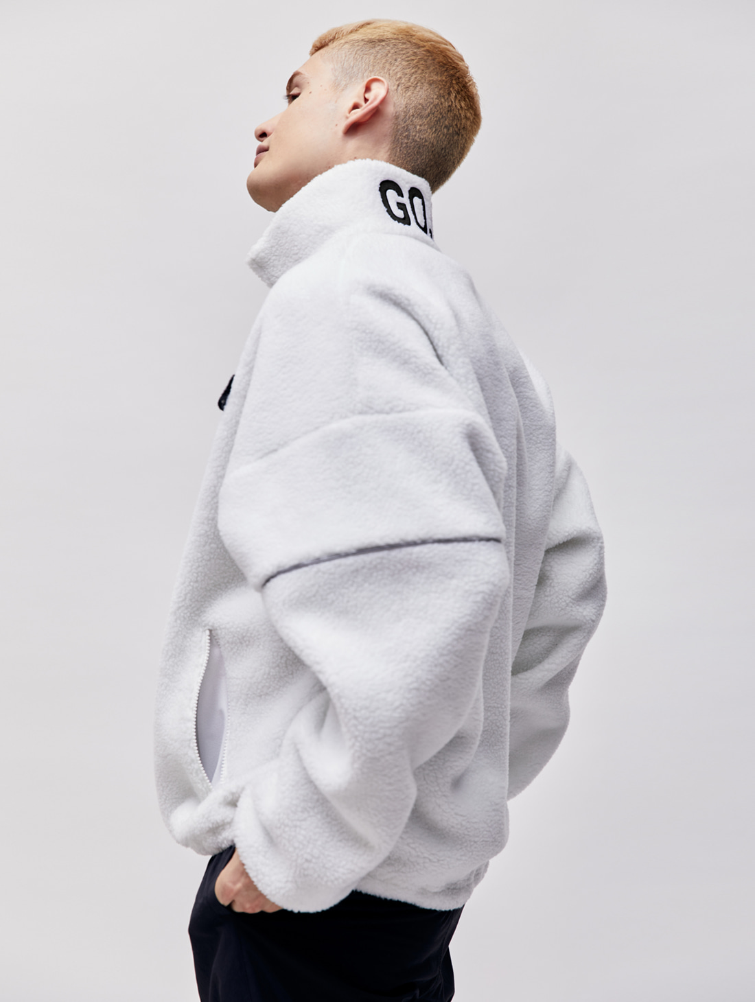 (Sold Out) FLEECE ZIP UP PULLOVER - WHITE